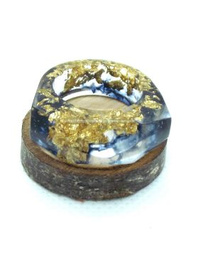 Black and gold resin ring