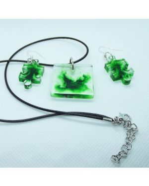 Green coloured, marble effect pendant and earrings set