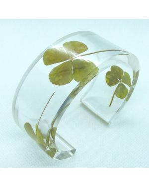 Four-leaf clover bangle