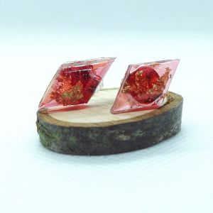 Red resin and gold leaf rombus stud earrings
