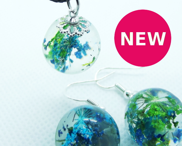 Blue flower resin orb pendant and earring set